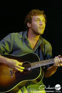 Phillip Phillips Dazzles in Quebec